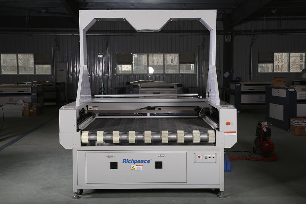 富怡大幅面摄像定位激光切割机